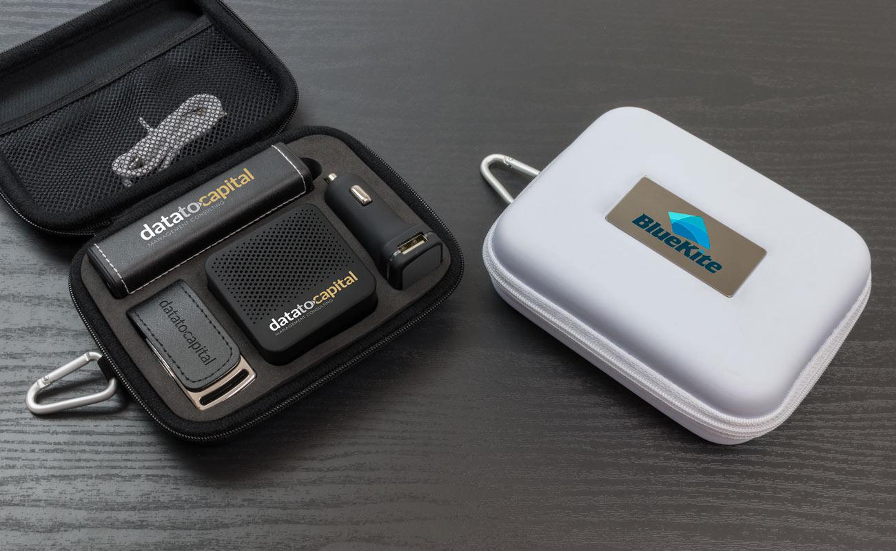 レザー L - USB 名入れ, 法人ギフトモバイルバッテリー, Custom Car Charger と Custom Speakers
