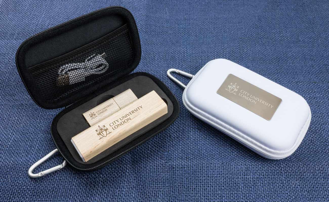 メープル S - USB 名入れ と 法人ギフトモバイルバッテリー