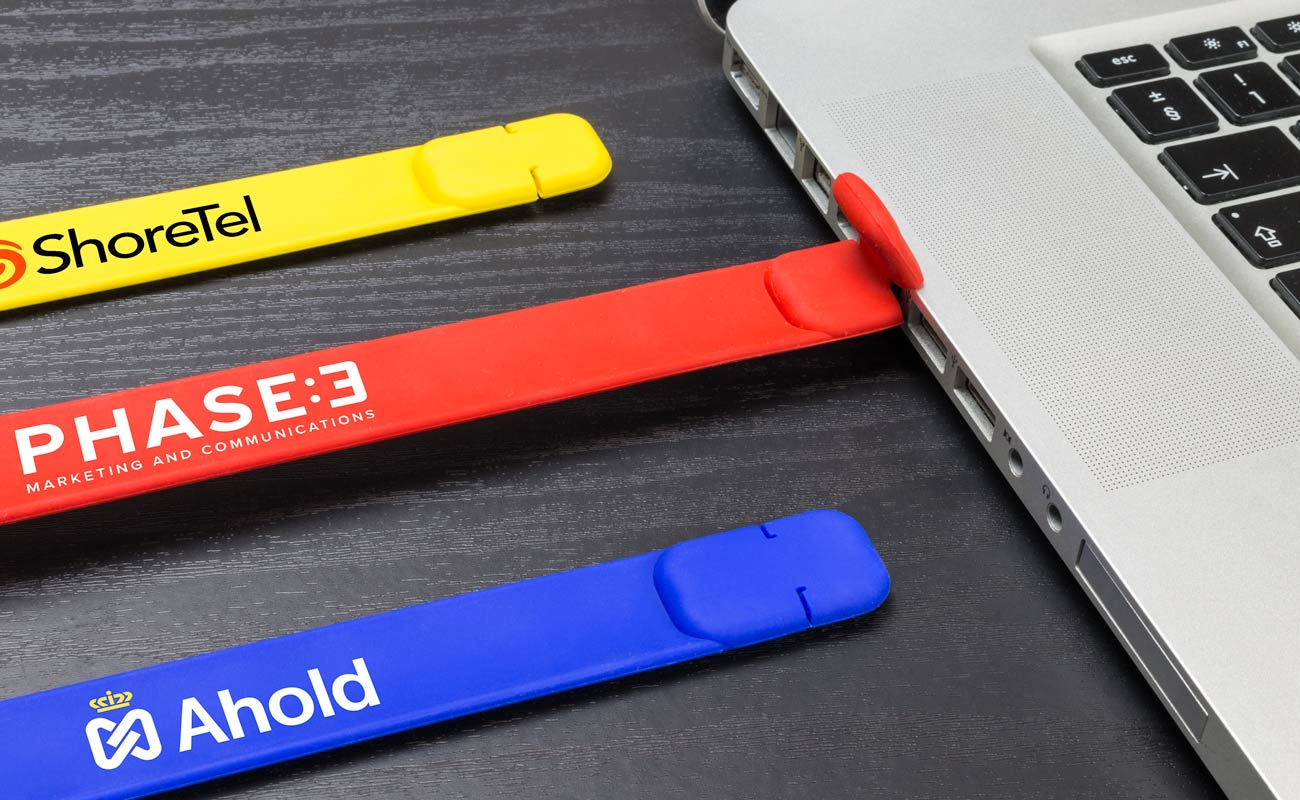 スラップ - ブレスレット型USBをカスタマイズ
